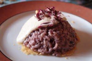 Sformato di riso al radicchio con salsa al parmigiano