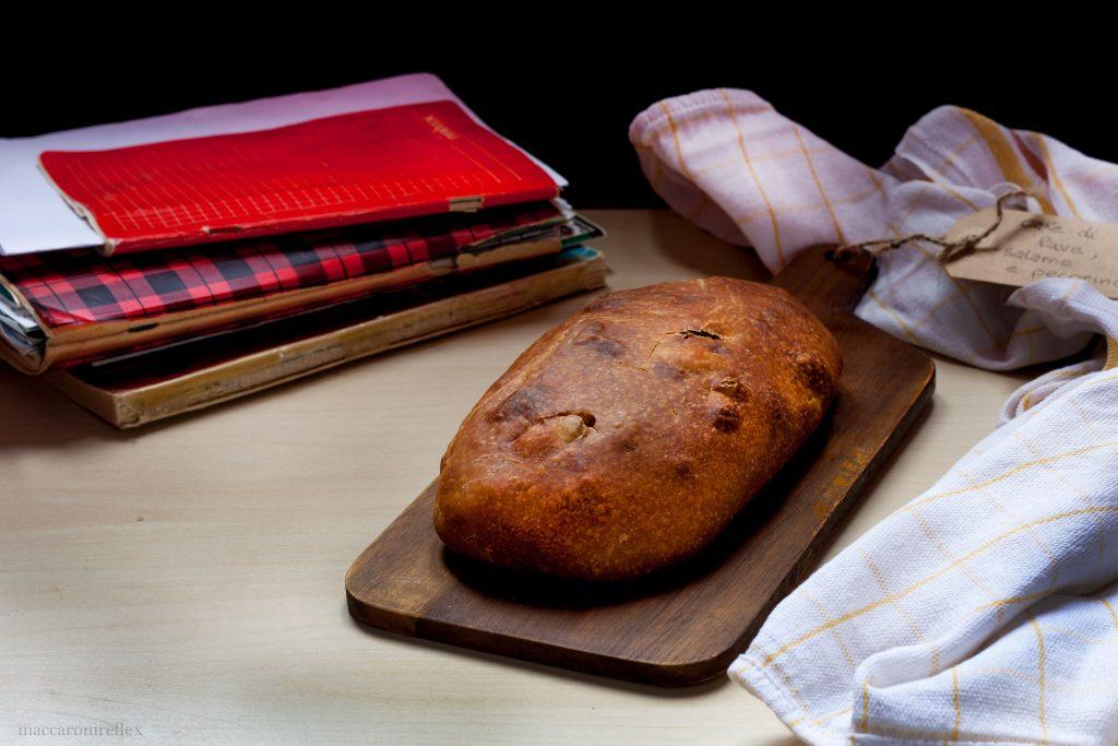 Cake di fave, pecorino e salame