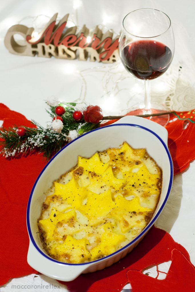 Stelle di polenta con taleggio - Ricetta di Natale