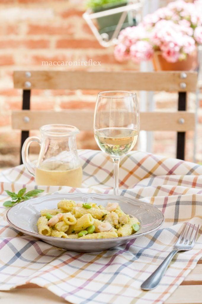 Rigatoni crema fave gamberetti ricetta