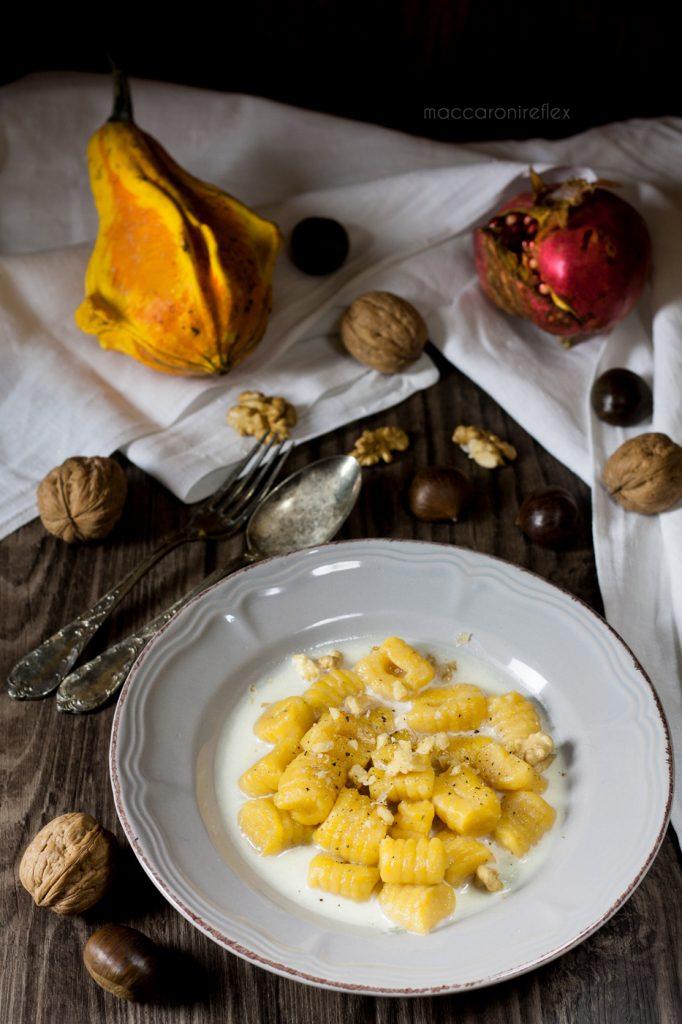 Ricetta Gnocchi di zucca con gorgonzola e noci