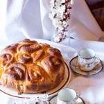 Torta di rose con marmellata di albicocche - ricetta primaverile