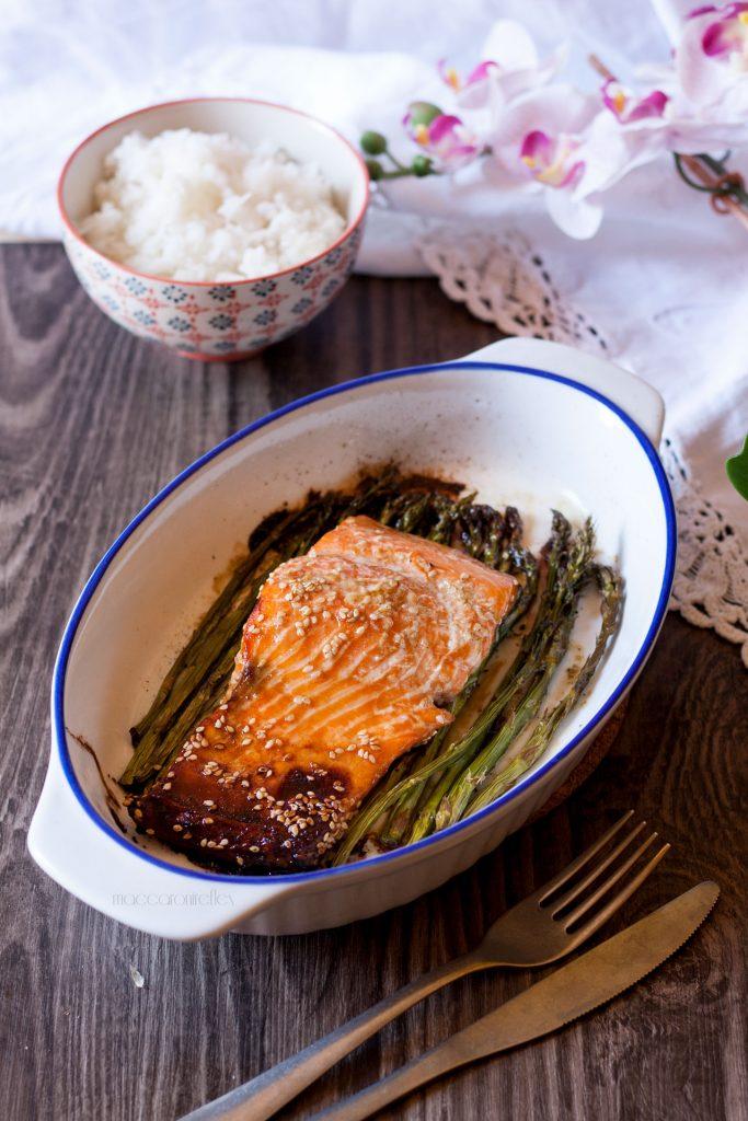Salmone marinato al forno con asparagina e riso basmati - ricette per la dieta