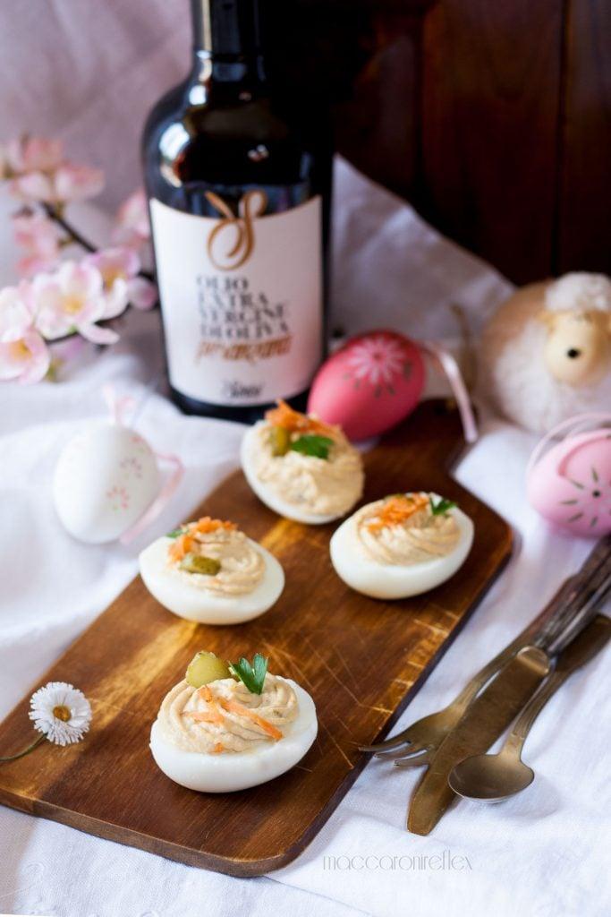 Uova ripiene con salsa tonnata ricetta di Pasqua