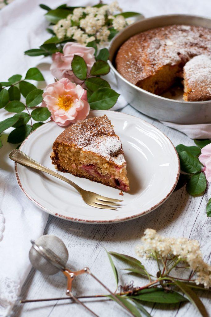 torta soffice alle fragole - ricetta da colazione