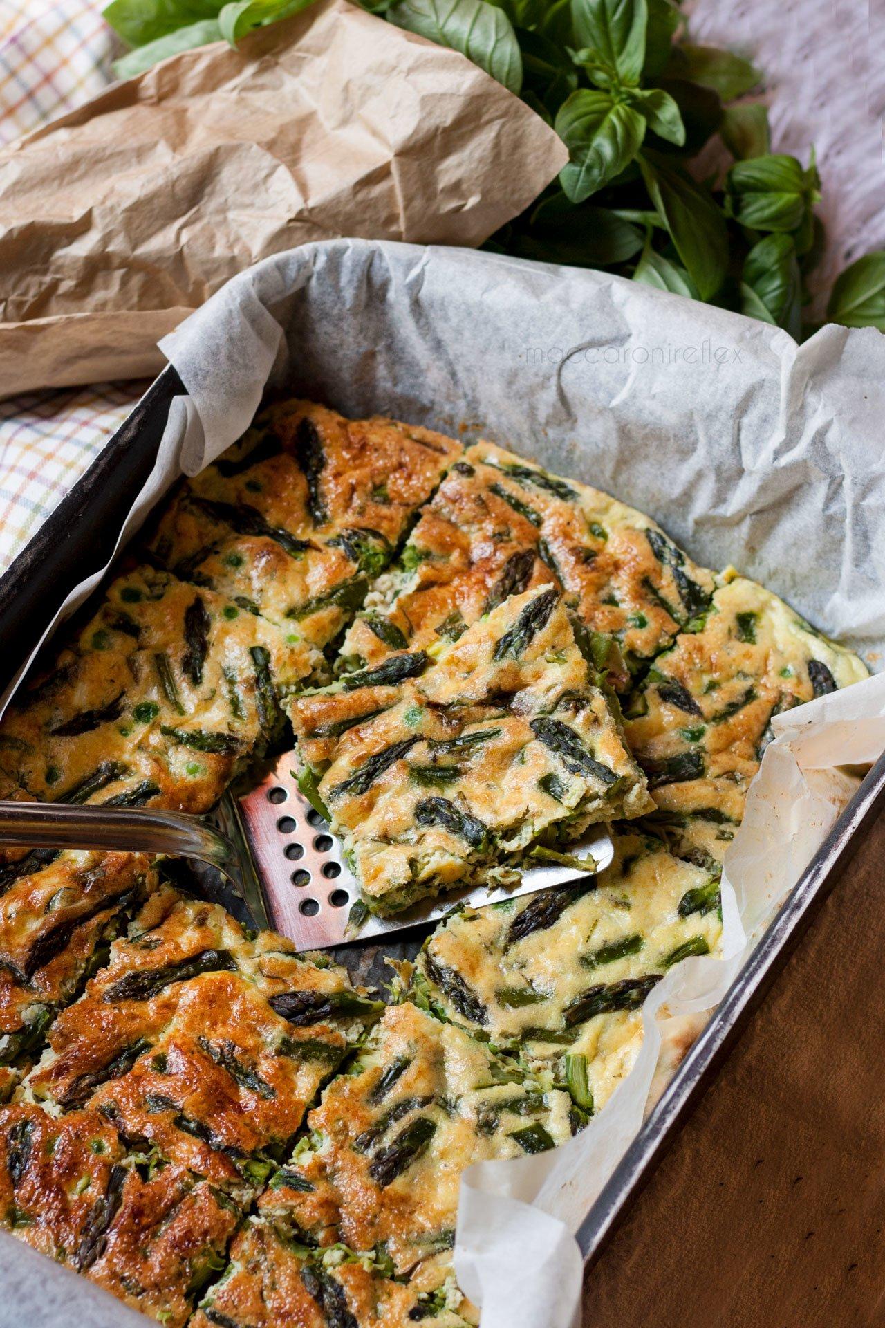 Frittata di asparagi e piselli al forno