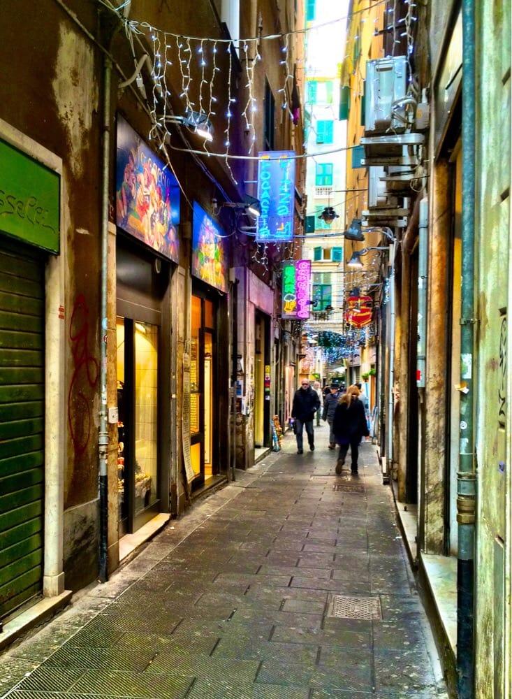 Via Canneto il Curto, Focaccia e dintorni - 5 migliori focaccerie nel centro di Genova