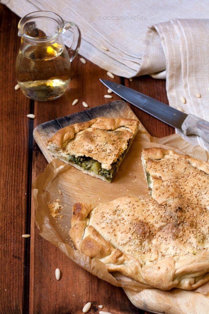 Torta salata cime di rapa olive e pinoli, ricetta invernale