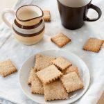 Biscotti integrali senza burro per la colazione