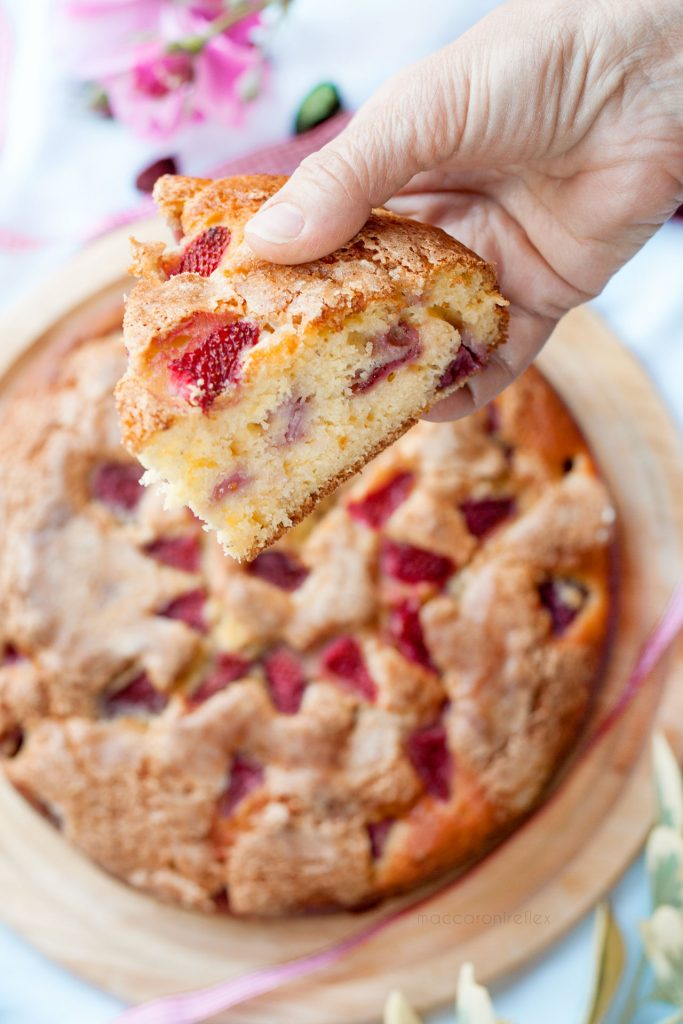Torta ricotta e fragole morbida e umida