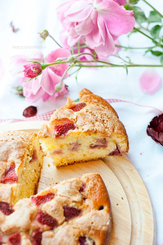 Torta ricotta e fragole dolci con le fragole